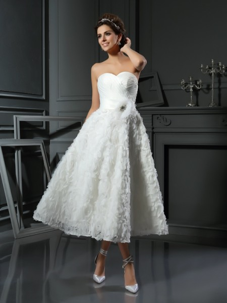 A-Line Sweetheart Bowknot Short Satin Wedding Dresses