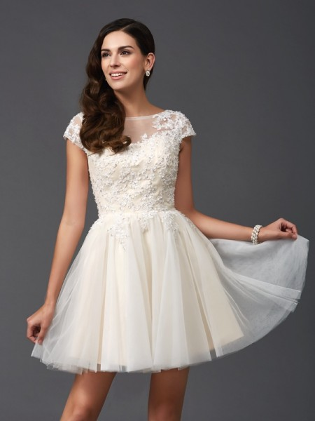 A-Line Scoop Applique Short Net Homecoming Dresses