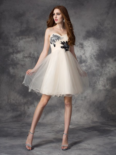 A-Line Sweetheart Applique Short Net Dresses