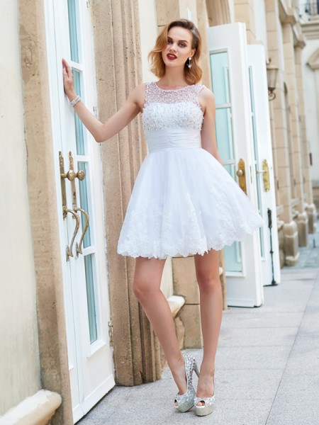 A-Line Jewel Pearls Short/Mini Lace Homecoming Dresses