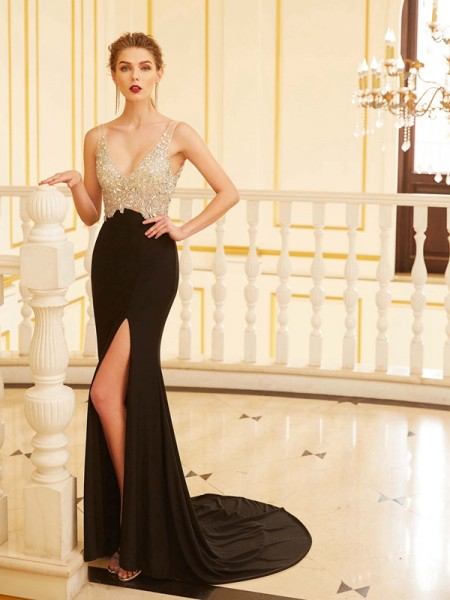 Sheath V-neck Beading Sweep/Brush Train Spandex Prom Dresses