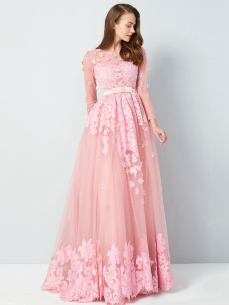 A-Line Scoop Floor-Length Applique Tulle Prom Dresses