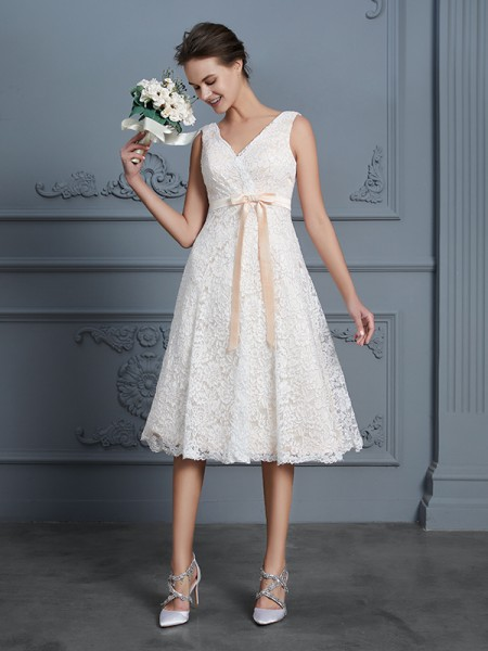 A-Line V-neck Knee-Length Lace Bowknot Wedding Dresses