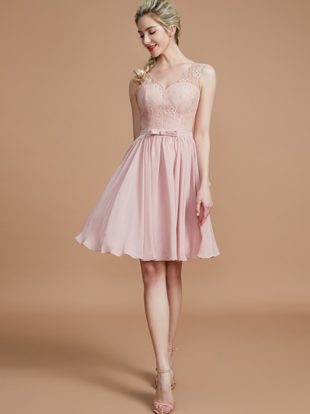 A-Line V-neck Lace Short/Mini Chiffon Bridesmaid Dresses