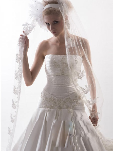 Fashion Flower Tulle Wedding Veils