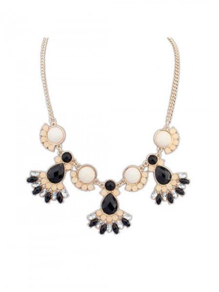 Latest Occident New all-match Sweet Temperament Hot Sale Necklace
