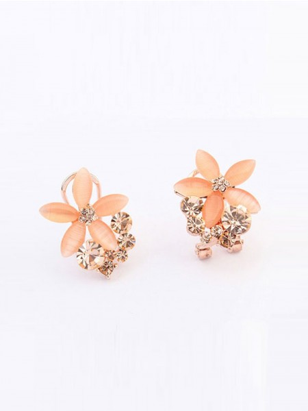 Latest Occident Boutique Five Petal Hot Sale Ear Clip