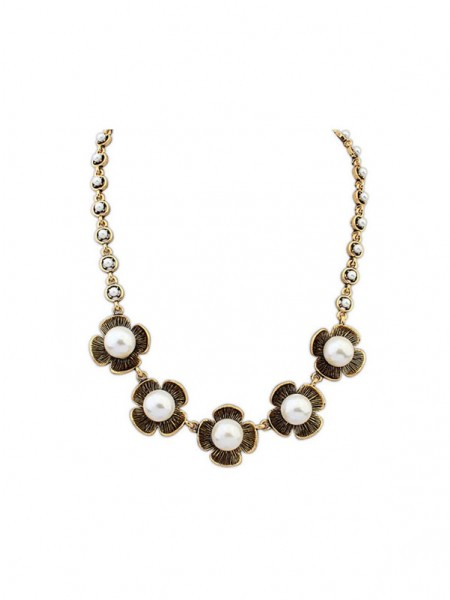 Latest Occident Four Leaf Pearls Hot Sale Necklace