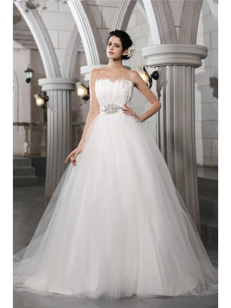 Strapless Beading Feather Net Ball Gown Wedding Dresses