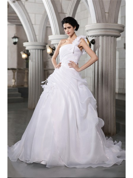 One-Shoulder Pleats Organza Ball Gown Wedding Dresses