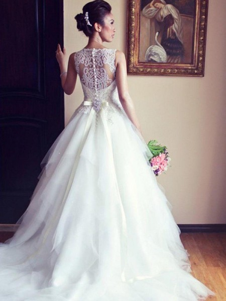 A-Line Scoop Chapel Train Sash/Ribbon/Belt Beading Applique Lace Tulle Ball Gown Wedding Dresses