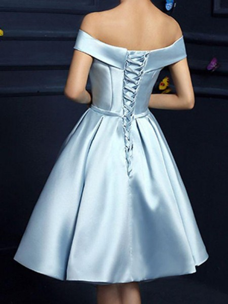 A-Line Satin Off-the-Shoulder Bowknot Knee-Length Homecoming Dresses
