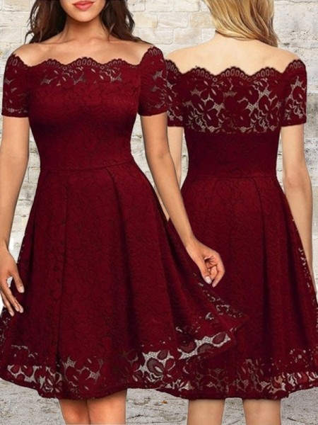 A-Line Lace Ruffles Bateau Short/Mini Homecoming Dresses