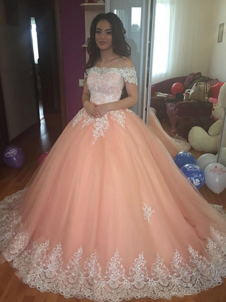Off-the-Shoulder Court Train Tulle Lace Ball Gown Prom Dresses