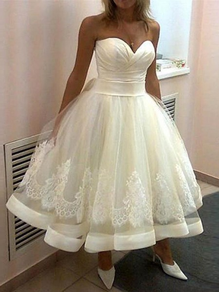 Applique Sweetheart Tulle Tea-Length Ball Gown Wedding Dresses