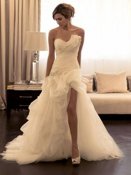Organza Beading Sweetheart Sweep/Brush Train Ball Gown Wedding Dresses