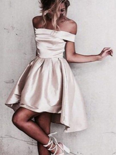 A-Line Off-the-Shoulder Satin Short/Mini Homecoming Dresses
