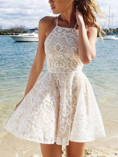 A-Line Halter Lace Spandax Short/Mini Homecoming Dresses