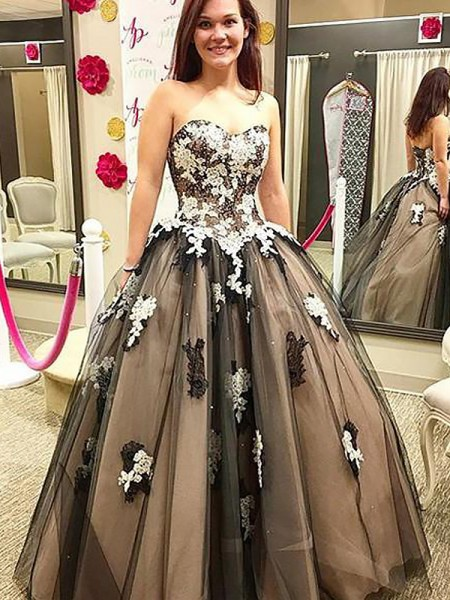 Sweetheart Applique Floor-Length Tulle Ball Gown Prom Dresses