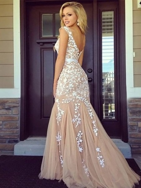 Sheath Bateau Tulle Applique Floor-Length Prom Dresses