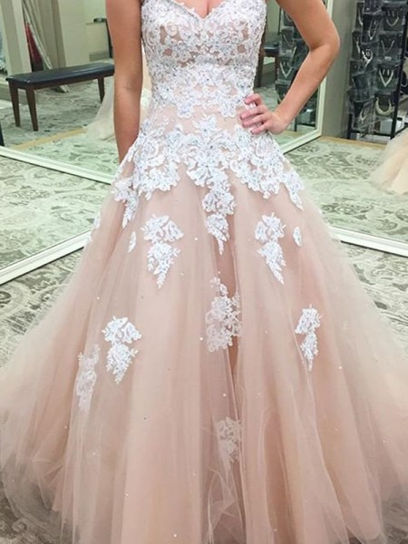 Sweetheart Applique Tulle Floor-Length Ball Gown Prom Dresses