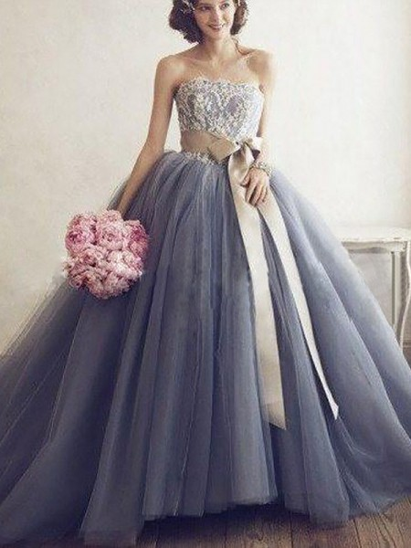 Sweetheart Applique Tulle Sweep Train Ball Gown Prom Dresses