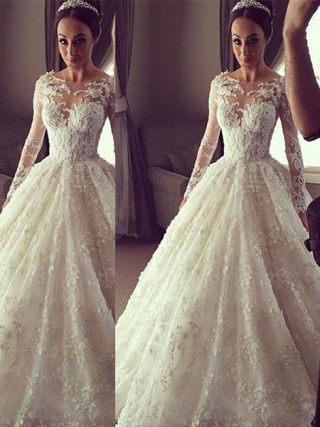 Scoop Court Train Lace Ball Gown Wedding Dresses