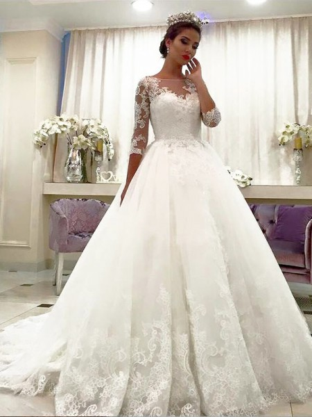 Tulle Bateau Lace Court Train Ball Gown Wedding Dresses