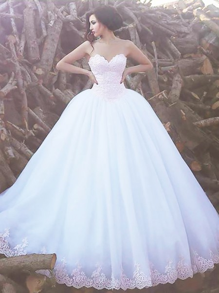 Sweetheart Sweep/Brush Train Organza Ball Gown Wedding Dresses