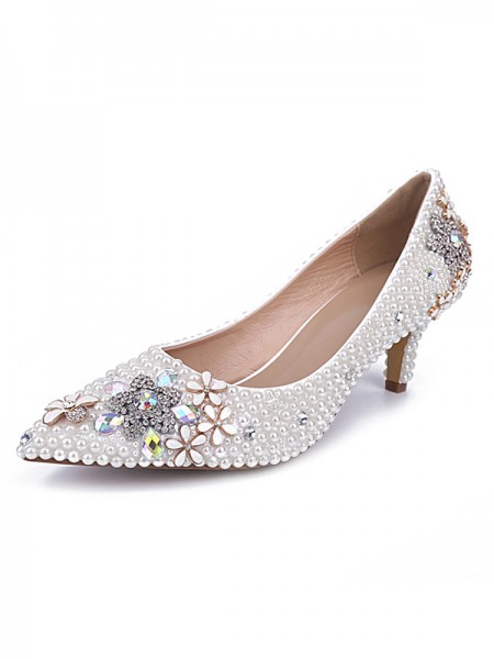 Latest Women's Cone Heel Patent Leather Closed Toe With Pearl White Wedding Shoes