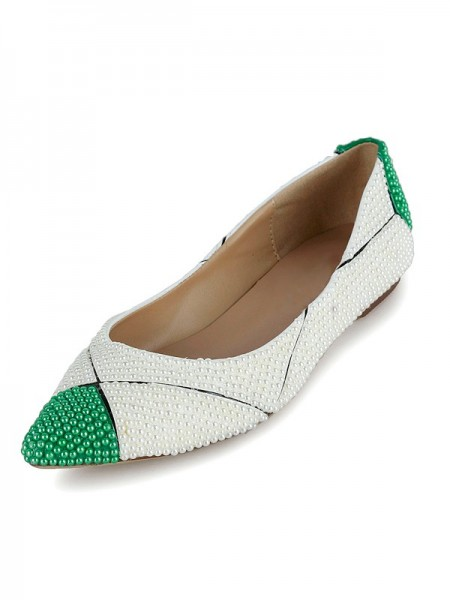 Latest Women's Flat Heel Patent Leather Closed Toe With Pearl Flat Shoes