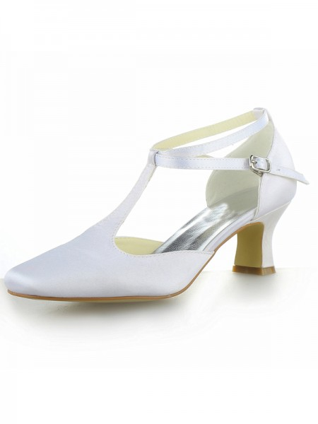 Latest Women's White Satin Closed Toe Chunky Heel With Buckle High Heels