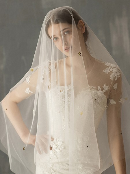 Fashion Elegant Tulle Two-Tier With Sequin Fingertip Bridal Veils