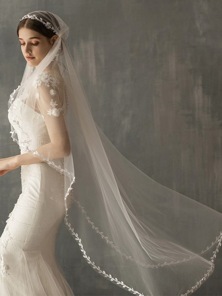 Fashion Delicate Tulle One-Tier Waltz Bridal Veils